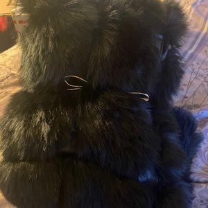 XL Black faux fur long vest fully lined